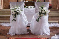 ʏ ᴛᴇ ǫᴜɪᴇʀᴇs ᴄ… # De Todo # amreading # books # wattpad Church Wedding Decorations Aisle, Wedding Pews, Wedding Isles, Wedding Reception Backdrop, Wedding Chairs, Wedding Table, Church Flowers, Weddings, Wedding Shabby Chic