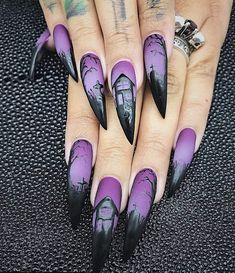 Gorgeous and Creative Halloween Nail Art designs - Nail Art - Halloween Goth Nails, Stiletto Nails, Halloween Nail Designs, Halloween Nail Art, Pretty Halloween, Scary Halloween, Purple Halloween, Halloween Night, Halloween 2019