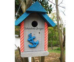 Beach style Birdhouse     https://www.facebook.com/TallahatchieDesigns/photos/a.511200018942014.1073741828.507266689335347/783917608336919/?type=1&theater