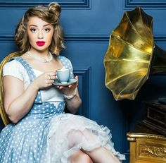 Carrie Hope Fletcher Carrie Hope Fletcher, Disney Fanatic, Dan And Phil, Les Miserables, Musical Theatre, Role Models, Character Inspiration, Youtubers, Carry On
