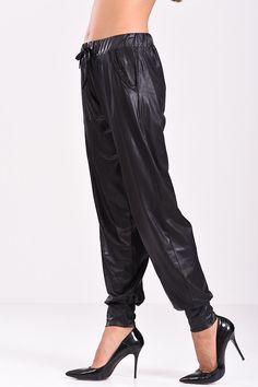 Parachute Pants, Harem Pants, Fashion, Moda, Fashion Styles, Harlem Pants, Fashion Illustrations, Harem Trousers