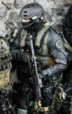 Tactical Gear. Military hobby blog: http://zimhangmen.tumblr.com/