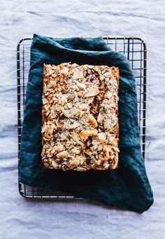 Banana bread with almonds, raspberries and cocos — Nourish Atelier