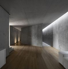 Rainha — Atelier d'Architecture Bruno Erpicum & Partners – Interior Design Addict Architecture Durable, Architecture Design, Concrete Architecture, Minimalist Architecture, Light Architecture, Installation Architecture, Building Architecture, Futuristic Architecture, Contemporary Architecture