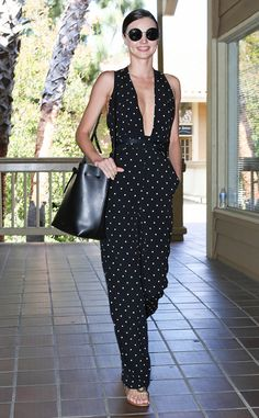 IT'S rare she looks anything but perfect and yesterday was no different, as a glowing Miranda Kerr stepped out in Los Angeles wearing a polka dot jumpsuit. Celebrity Outfits, Celebrity Style, Simple Dresses, Nice Dresses, Miranda Kerr Street Style, Streetwear, Floral Frocks, Angel Outfit, Models