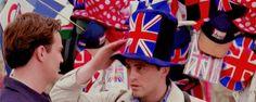 London, baby! F.R.I.E.N.D.S #Chandler #Joey #friends #friendship #bestfriends #gif #London