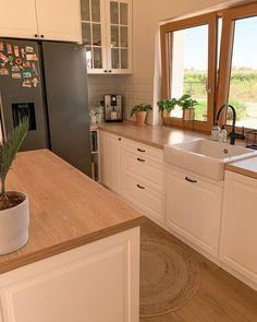 Country Kitchen Designs, Modern Kitchen Design, Interior Design Kitchen, Kitchen Themes, Kitchen Colors, Home Decor Kitchen, Kitchen Countertop Decor, Kitchen Dinning, Log Home Kitchens