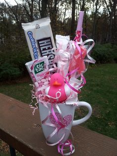 Brest cancer awareness candy bouquet Breast Cancer Party, Breast Cancer Crafts, Breast Cancer Fundraiser, Breast Cancer Walk, Breast Cancer Survivor, Breast Cancer Awareness, Pink Out, Chemo Care Package, Candy Bouquet