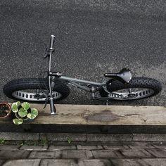 SURLY / ICE CREAM TRUCK CUSTOM PAINT BY SWAMP THINGS Surly Bike, Bike Store, Fat Bike, Cool Bikes, Custom Paint, Bicycles, Outdoor Power Equipment, Ice Cream, Trucks