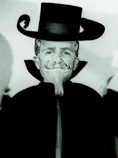 Meinhardt Raabe, ( 1915 - 2010) Munchkin Coroner (uncredited)