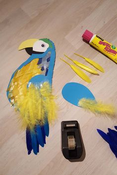 Papageien Laterne basteln mit Kindern Papageien Laterne basteln mit Kindern The post Papageien Laterne basteln mit Kindern appeared first on Basteln ideen. Fall Arts And Crafts, Summer Crafts For Kids, Diy For Kids, Woodland Party, Home Crafts, Paper Crafts, Tropical, Crafty, Creative