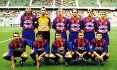 SM CAEN 2001-02  Debouts : Braud, Catherine, Caillet, Faderne, Hébert, Watier Accroupis : Gravelaine, Bellisi, Deroin, Garcion, Bakour