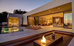 Casa com transparência e liberdade! Modern residence in Los Angeles by La Kaza and Meridith Baer Home