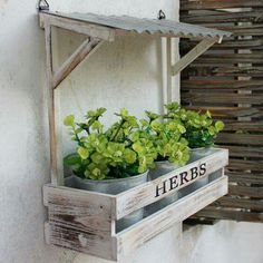 Hanging flower planters vintage wall hanging flower pots planters set in flower pots planters from home . Garden Crafts, Garden Projects, Wood Projects, Outdoor Projects, Outdoor Decor, Hanging Flower Pots, Flower Planters, Planter Boxes, Garden Planters
