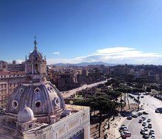 Oggi Roma: Piazza Venezia Fori Imperiali Colosseo... Tutto da una finestra! #bellezza by architetturami