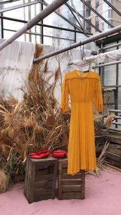 Summer Photography, Fashion Photography, Fashion Art, Fashion Shoes, Fashion Design, Hair Boutique, Summer Shoes, Moscow, Silk Dress