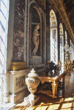 The Castle of Versailles Louis Xiv, Classic Architecture, Rome Architecture, Hidden Gun Storage, Old King, Palace Of Versailles, Royal Residence, Country Scenes, 11th Century