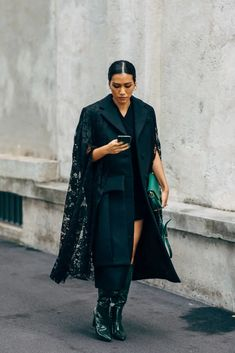 The Best Street Style at Milan Fashion Week Spring 2020 New Street Style, Spring Street Style, Cool Street Fashion, Milan Fashion, Women's Fashion, Fast Fashion, Autumn Winter Fashion, Winter Style, Winter Outfits
