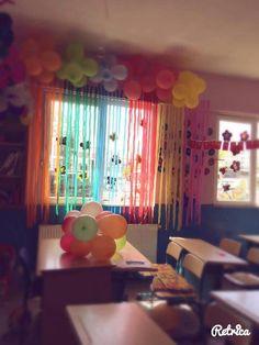 Bayram  sinif  süsleme Educational Activities, Classroom Activities, Craft Activities, Classroom Organization, Homemade Party Decorations, Birthday Party Decorations, School Classroom, Classroom Decor, Cardboard Relief