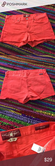 Lucky Brand Riley Easy Fit Shorts Sz 6/28 Sz 6/28 Lucky Brand Riley - Mandarin Red Easy Fit Jean Shorts. Frayed hem with a 3 inch inseam.98% Cotton with 2% Spandex. In excellent preowned condition. Lucky Brand Shorts Jean Shorts