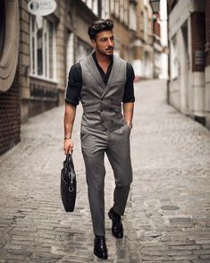 Gentleman-Style/ mens fashion suits, mens suits, new mens fashion trends Double Breasted Waistcoat, Men's Waistcoat, Waistcoat Men Casual, Mens Fashion Suits, Mens Suits, Gilet Costume, Designer Suits For Men, Herren Outfit, Business Outfit