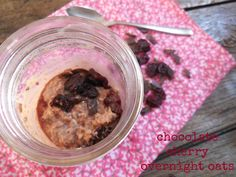 Have you been checking out our overnight oats breakfast recipes? Here's No. 3 -- chocolate cherry overnight oats! Healthy, yummy, simple -- everything you want for summer. YUM!