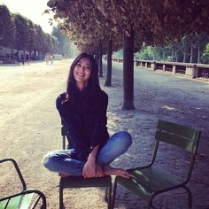It's really nice to see you sitting bare-footed under that tree. It totally turns me on!