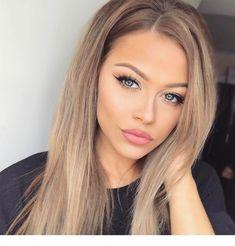Blonde Wigs Lace Hair Dark Hair With Blonde Highlights Cheap Human Hair Wigs, Real Hair Wigs, Frontal Hairstyles, Wig Hairstyles, Stylish Hairstyles, Blonde With Blue Eyes, Blue Eyes Brown Hair, Blonde Hair With Roots, Burgundy Hair