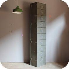 Grand meuble armoire colonne roneo 10 clapet metal bross for Meuble colonne industriel