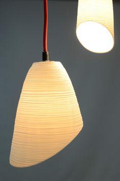 De KooN lichtobjecten worden gekenmerkt door warmte en intimiteit, omdat ze vervaardigd zijn uit translucent porselein. http://www.handmadeinbelgium.com/viewobj.jsp?id=440205