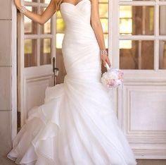 Beautiful strapless with a sweet heart neckline, white wedding dress <3
