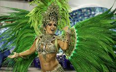 Fantasias exuberantes enchem o Anhembi de cores, em desfile da Vila Maria