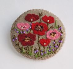 hand crafted felt broach from PiXS. embroidery and seed beads . would look great on denim . Wool Applique Patterns, Felt Patterns, Felt Applique, Felt Crafts, Fabric Crafts, Sewing Crafts, Fabric Brooch, Felt Brooch, Felt Flowers