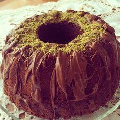 Instagramda çok moda olan bu güzel keki denemiştim aylar önce. Tarif @hamurger'den. İnanın pamuk gibi, ağzınızda eriyen içindeki ve üzeri...