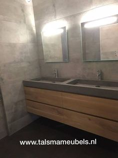 This photo is certainly an exceptional style philosophy. Rustic Master Bathroom, Bathroom Spa, Bathroom Design Small, Bathroom Colors, Bad Styling, Floor Drains, Bathroom Styling, Bars For Home, House Rooms