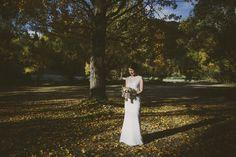 Autumn Wedding Photography in Arrowtown. Photography by Alpine Image Company http://blog.alpineimages.co.nz/blog/ | Queenstown Wedding Planner - www.boutiqueweddingsnz.com