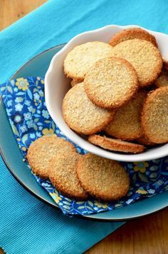 Kókuszos aprósütemény Hungarian Recipes, Hungarian Food, Eat Pray Love, Loaf Cake, Pavlova, Cookie Jars, Sweet Bread, French Toast, Sweets