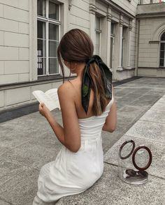 Chic ways to style a headscarf and examples of how to tie it - Hair scarf styles - Scarf Hairstyles, Cute Hairstyles, Summer Hairstyles, Quick Easy Hairstyles, Teenage Hairstyles, Elegant Hairstyles, Formal Hairstyles, Braided Hairstyles, Hair Inspo