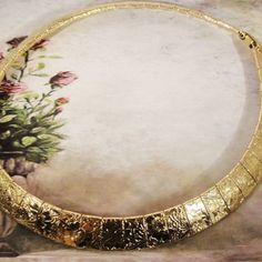 """$32 1980s Authentic Unsigned Sarah Coventry """"Mural"""" Etched Gold Tone Choker Necklace Collar"""