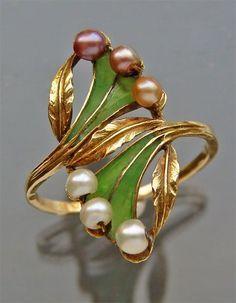 Résultats de recherche d'images pour «art nouveau gold ring»