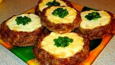 """Meat """"cheesecake"""" - a quick dinner Tart Recipes, Cookbook Recipes, Quick Recipes, Quick Easy Meals, Ukrainian Recipes, Russian Recipes, Good Food, Yummy Food, Most Delicious Recipe"""