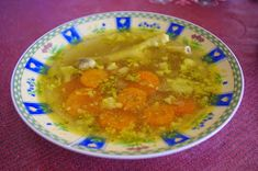 Csipetfalat: Kurkumás csirkeaprólék leves Chana Masala, Thai Red Curry, Paleo, Chicken, Ethnic Recipes, Food, Turmeric, Eten, Beach Wrap