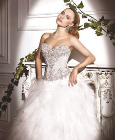 Expect the ultimate and beautiful designer wedding dresses in Australia by contacting us here. We make sure that you do not get any sort of dissatisfaction at all.http://demetriosbride.com.au/