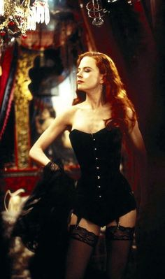 Nicole Kidman poses in a black corset costume as Satine in Moulin Rouge Nicole Kidman Moulin Rouge, Satine Moulin Rouge, Moulin Rouge Movie, Moulin Rouge Dancers, Costume Moulin Rouge, Moulin Rouge Outfits, Gq, Actrices Sexy, Robert Mapplethorpe