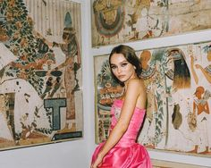 "Polubienia: 116.3 tys., komentarze: 338 – Vogue (@voguemagazine) na Instagramie: ""@lilyrose_depp brings new meaning to hot pink in a @chanelofficial gown at the #metgala.…"""