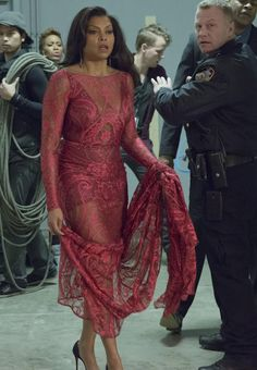 As the second series of hip hop TV drama Empire is unfolding, we take a look at the star of the show: Cookie Lyons, played by Taraji P Henson. Serie Empire, Empire Cast, Empire Fox, Empire Cookie, Fire And Desire, Empire Season, Taraji P Henson, Hip Hop, Season Premiere