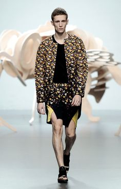 Ana Locking Spring/Summer 2012 Menswear: Floral Prints Trend With Modern Men's Fashion Style Requirements