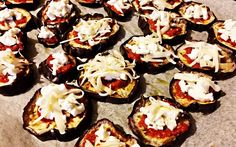Eggplant pizza recipe - The Italian vegetarian pizza - http://easyitaliancuisine.com/recipe/eggplant-pizza-recipe/