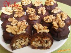Fíkové bonbony Candy Recipes, Raw Food Recipes, Cooking Recipes, Healthy Recipes, Christmas Cookies, Sweet Tooth, Muffin, Food And Drink, Sweets