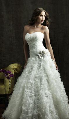 Ärmellos Satin Tüll Brautkleid mit tiefer Taille mit Blume - Mode-Top und Schnürung